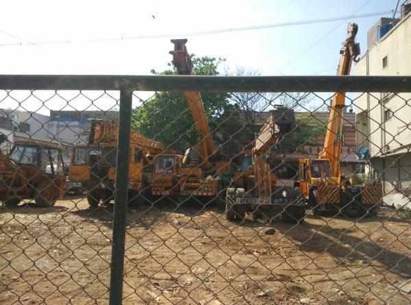 We are Provide all tyeps of cranes Cranes On Hire Crane Service Providers Forklifts On Hire Hydra Cranes On Hire Hydraulic Cranes On Hire Mobile Cranes On Hire