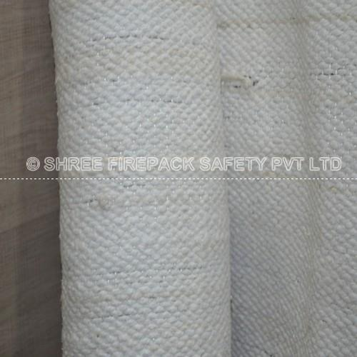 Industrial knowledge of market under customer feedback developed a range of ceramic fiber products in Dubai , UAE, Sharjah. ceramic fiber rope ceramic fiber Cloth round & square braided twisted Rope etc.