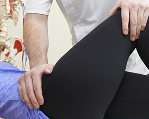 Professional/Experienced Physiotherapists  The level and skills of physiotherapists define the standard of physiotherapy centers. So it's important to examine the skills, experience and efficiency of physiotherapists working in a center whe - by Dr.Vijay's Physiotherapy & Rehabilitation Centre call for appointment- 7087445111, Panchkula