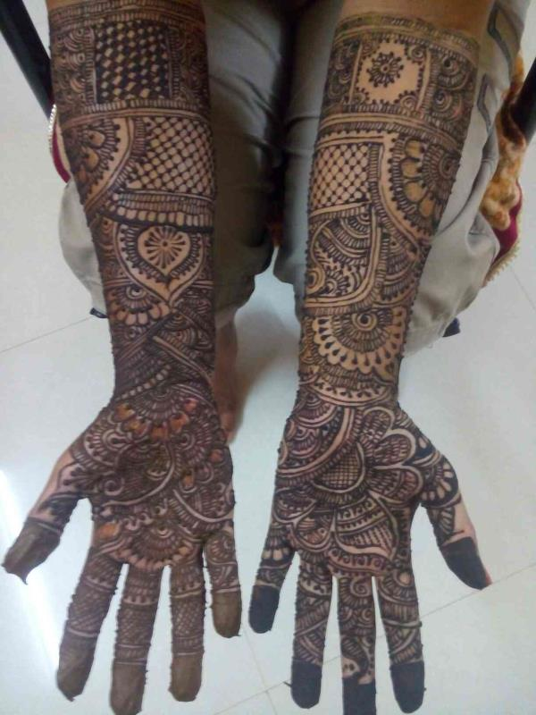 Traditional mehndi