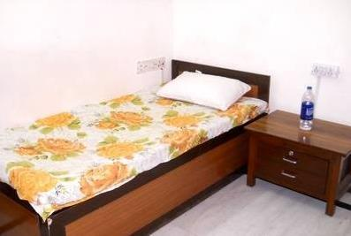 Boys PG in IMT Manesar Gurgaon at JB Associates & PG Room which is exclusively for Boys, fully furnished , with all facilities, Excellent environment, Fully Secured.Beautiful, Good Construction, Excellent Location, a complete solution for y - by J B Associates & PG Room, Gurgaon
