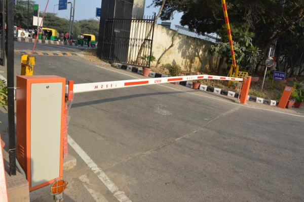 Automatic Boom Barrier  Mosfi automatic parking barriers are engineered to manage vehicle access in all types of residential as well as commercial premises. A combination of accessories are offered, which makes Mosfi barriers meet various i - by Alaska Automation Pvt Ltd, New Delhi