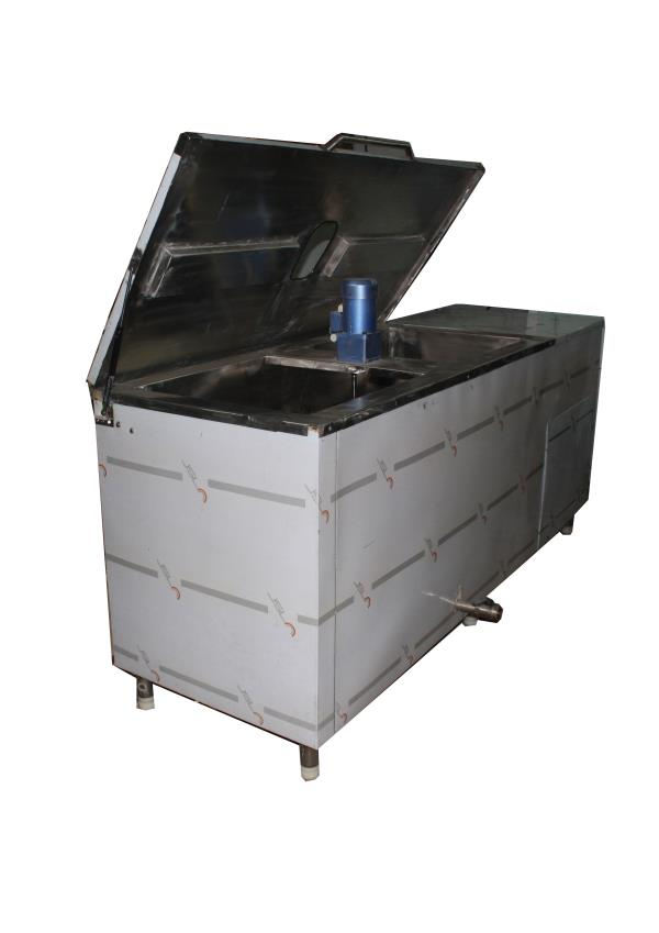Milk chillers for packed milk or loose milk, milk chiller manufacturers and milk chiller dealers in hyderabad. We manufacture as per requirement and specification, total stainless steel cabinet with PUF insulated and agilater for uniform temperature. Vast experience of 30 years in refrigeration industry. Contact us for more info and requirement. 8008823458, 040-27530069 Freeze Air Marketing freezeairhyd@gmail.com