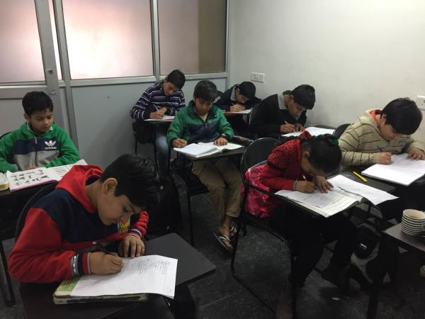 Scholars Hub is the best institute in Chandigarh for Foundation Classes i.e. 8th, 9th and 10th. We teach Maths and Science to Foundation classes We have highly qualified and experienced faculty who work day and night on students for their best results.
