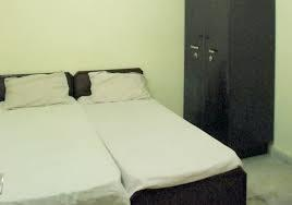 We provide PG at six Locations at Gurugram only Male 1. fully furnished AC Rooms 2. parking for Bike & Car 3. Fully furnished and well cleaned rooms with wardrobe 4. Rooms available in sharing basis - double and triple 5. TV/LED with cable per room 6. R.O. for drinking water. 7. Free internet wifi 8. Rooms cleaning daily basis 9. Home like food (2/3 times) 10.Bed, mat available 12 Attached bathroom with Geyser PG Available near - subhash chowk, sohna road, JMD, Omaxe, IRIS tech park, Spaze itech park. NO Brokerage for more information call us or visit our site boyspg.in