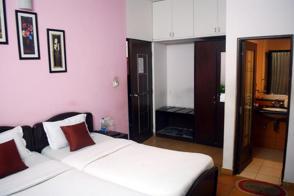 Service Apartment in Koramangala near Sonyworld signal  Please call for more details 9535182427