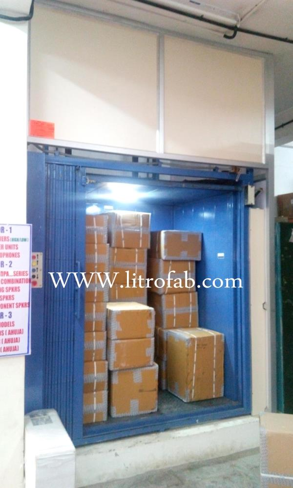 Hydraulic Goods Lift Goods Lifting Movement  Easy Movement  Less man power Up to 4th floor,