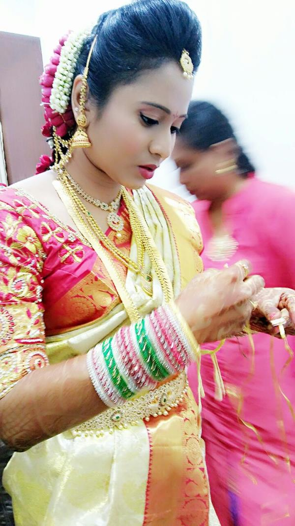 sachinn family salon is the specialist in bridal make services in hyderabad.we also provide party makeup in hyderabad. for more details contact 9885454249 .8074835249.   Makeover by sachinn family salon. we provide high quality makeup services that are generally reserved for celebrities and other affluent members of the society at budget-friendly prices.  our talented team of makeup artists have a wonderful eye for detail and will design a stunning makeup for our clients based on their personal requirements. Our group of makeup artists are highly passionate with an artistic talent for makeup artistry.