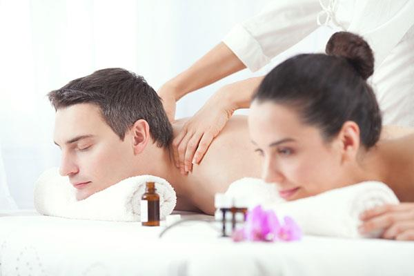 Best couple spa in lokhandwala med spa and salon for Best spa for couples
