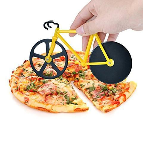 Smart Pizza Cutter ideal for parties. Good for kitchen decoration.