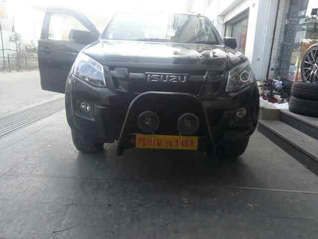 front bullbar and hella foglights installed on isuzu dmax vcross @motominds