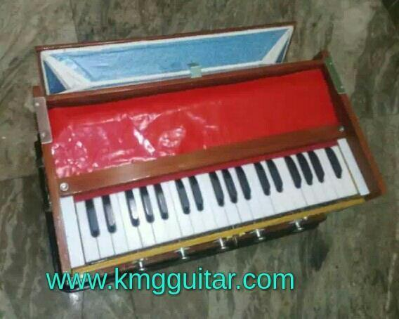 Cheapest New Harmonium  Special for kids 3.25 saptak double below Market prices 6500 Rs Our price 3900 Rs Available in Uttam nagar & Dwarka