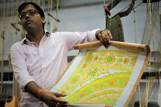 Weaving in #varanasi is an ancient art. The art form has been preserved through times which gives India and the world the famous Banarsi weaved sarees. Over time, the art form has become more contemporary keeping in mind the tastes of the u - by Granny's Inn Varanasi | +91-7525952362 | Best Homestay, varanasi