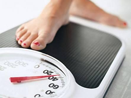 """Q: Why does my weight fluctuate so much from morning till evening? Answer: Ever so often, patients come to me, saying: """"I've tried several strict diet programmes and yet things go wrong. After all the hard work and effort I put in with diet - by Weight Loss Hyderabad, Hyderabad"""