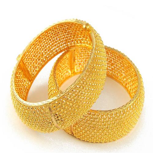 916 Gold Bangle  Owing to the wide experience of this domain, we are instrumental in offering Gold Bangle to our clients.  Features:  Beautiful design Attractive Long lasting