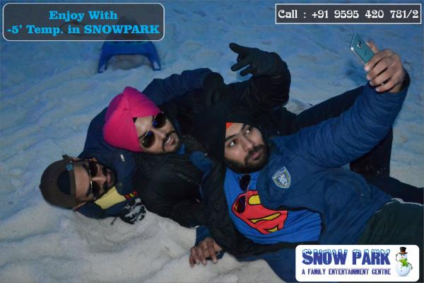 What Your Selfie say ????  Take A Snow Selfie Upload it To Facebook 7 Tag us #Snowparkgoa