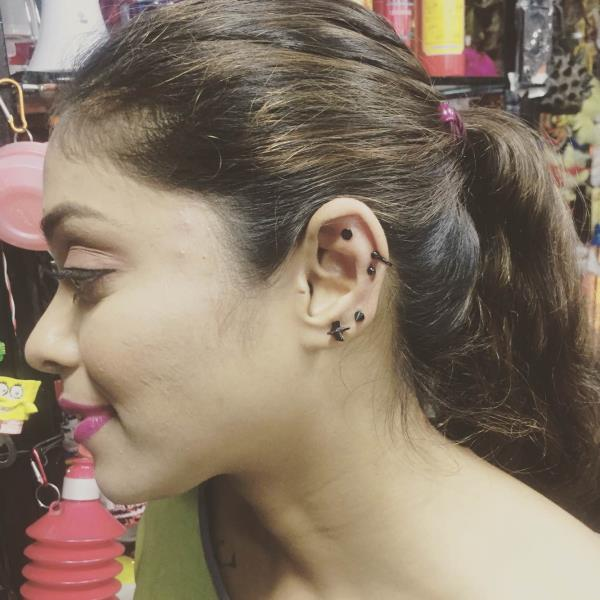 #ear #piercings #helix #cartilage #orbit #als #tattoo #studio #als #clothes #accessories #body #piercings #als #curl #up and #dye #bandra #india #mumbai #maharashtra #bodypiercing #tattoos #tattoo #bodypiercing #shop #west #oppstpeterschuch #black #arrow