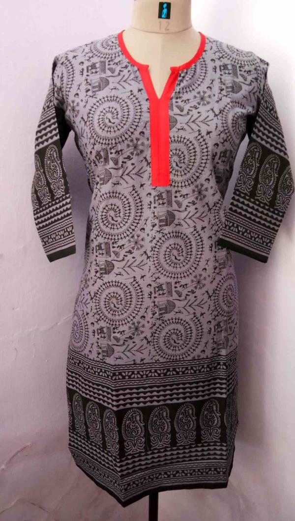 Sanganer jaipuri Kurtis wid something new in Carli print we are the manufacturer of Kurti we deal in cotton n reyon Kurti kindly contact us @ 9928671159 for more information