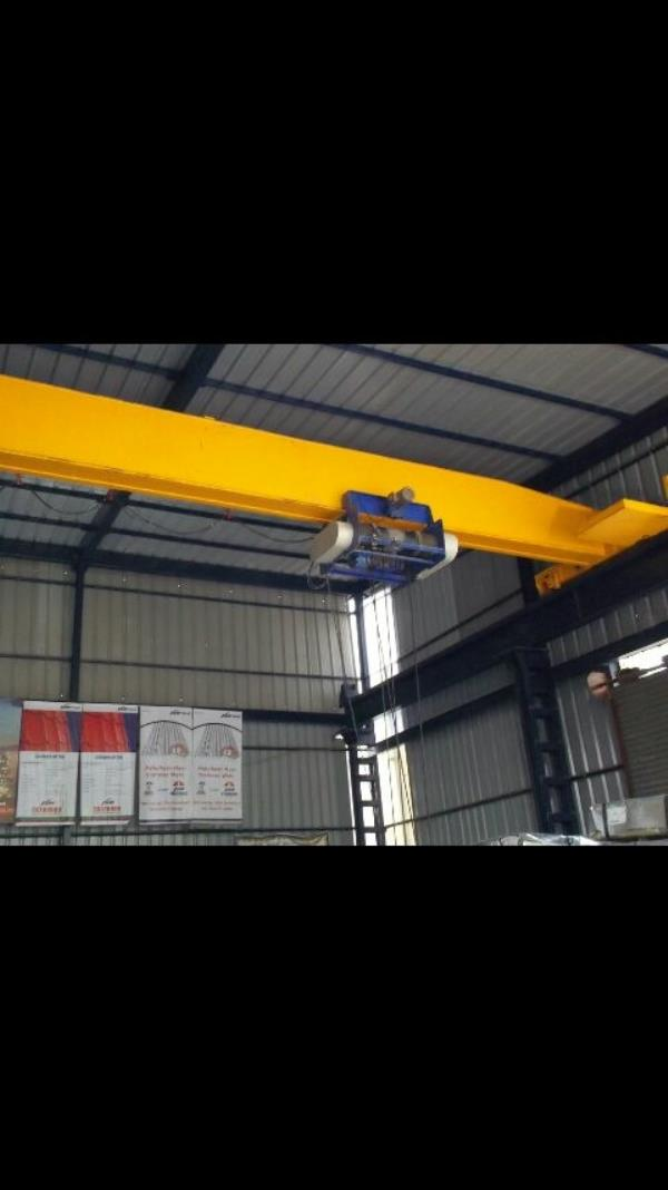 Hoist we are leading manufacturers & Exporter of wire rope hoists as per customer requirement.