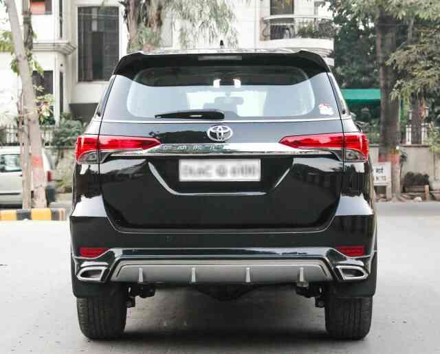 toyota fortuner available @motominds...