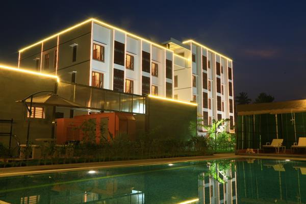 Mayapuri Amira Hotel In Kumbakonam  Swamimalai - Distance 1.8 Kms  Kumbakonam - Distance 7 Kms