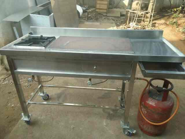 work table with single burner is made Up of Stainless Steel material.  we manufacture different types of burners and tables