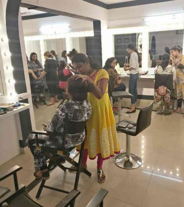 Ongoing April 2017 Professional Bridal Hairstyling and Makeup course at Zorains Studio rated as the  best academy in Bangalore trained renowned artist across India. Learn Fashion, Film, Ad, Editorial, theatrical, Makeup through the ages from celebrity makeup artist Zorain Khaleeli. Visit our website www.zorainsstudio.com for course details or Call 9900032855 for registrations