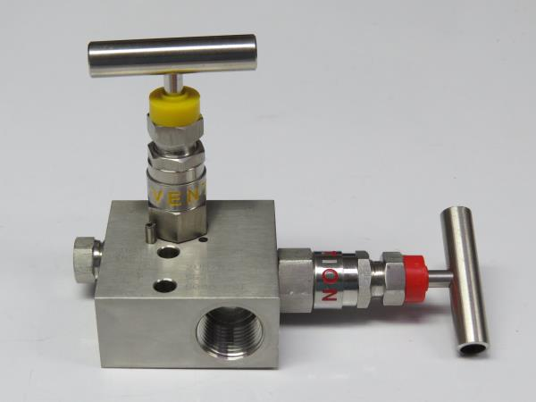2 Way Manifold valve  R Type ( Pipe to Pipe)  These manifolds are rugged in construction to withstand high pressures and temperatures. The manifolds are rated for pressures as high as 6000 PSI at 200oF or 4000 PSI at 500oF. with PTFE Packing. For a Higher Temperatures Grafoil Packing is used. These valve manifolds combine the functions of a tee, calibration valve, isolation valve and all tubing and fittings into a single compact unit thus reducing number of fittings and space required for installation.