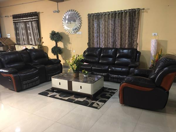 Furniture Showrooms in Coimbatore   Cool BIG SAVINGS on all furniture... the maark trendz giving maximum savings benefits... don't miss this ... contact 96778 33337  Your dream furniture ready available in our showroom... visit immediately....