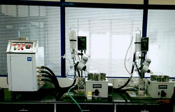 Rotary Evaporator , one kd chiller for two rotavapor ,  KD CHILLERS , SENCO ROTARY EVAPORATOR ,  #KD_CHILLERS #SENCO_ROTARY_EVAPORATOR SENCO Rotary Evaporators R206b 2l are developed by sticking to the basics, keeping in mind safety of the user and focusing on giving desired results. They enable to achieve desired results affordably and are backed by trustworthy service. The Lab Scale Rotary Evaporator is simple yet accurate, basic yet precise, up to the mark on performance and friendly on budget. Senco rotary evaporator  We have a unite Senco rotary evaporator in Hyderabad and India we have best price senco rotavapor
