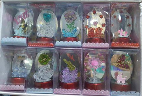 Return Gifts Items & Souvenirs @ Signatures  Shop for various Personalized Gifts or Return Gifts such as Statues, Flower Baskets, Standing Cards, Paintings, Pen Stands, Photo Frames and many more at Signatures, Tirupur.  Shop Online Now : 93630 00130