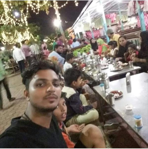 Family Dhaba in Thane, Bhiwandi.   Family time is always the best time you will always remember. Enjoy those  moments with your family at Shawaya Dhaba.