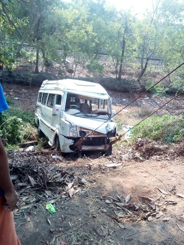 Today our Towing Services had recovered a Tempo Traveller near Salem which was upsets off the road and stuck into a Valley. We responded immediately for their call and arrived to the place. We recovered the damaged vehicle after struggling for more than a hour with the help of ropes used by our Tow Truck and delivered it to the customer.It is a best example for that we are the Experts in Towing.