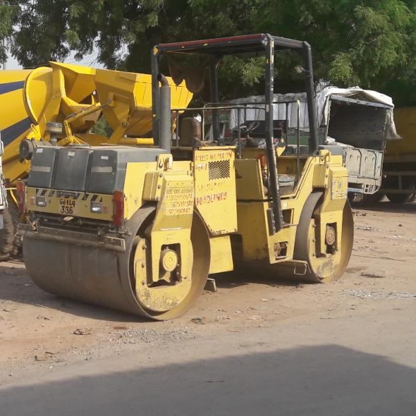 Road Roller on Hire. Road roller available on rent/ rent . Daily or monthly basis. Current Location Ahmedabad.   Vishal Thakkar  vct@vishalroadlines.co.in  +91 9825150574 www.vishalroadlines.co.in