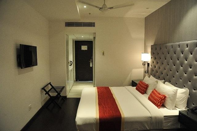 Our Boutique Hotel, Deccan Serai has 100 rooms which have essential amenities like television, room service and much more to ensure that your stay is comfortable and memorable. Our Hotel is known for its impeccable services. Our Hotel has A/C Rooms which have well-maintained bathrooms fitted along with essential toiletries.