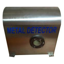 Metal detector for pulp:  We are recognized as prominent name in the industry offering qualitative range of Metal detector for pulp. These metal detector systems are available in different grades and dimensions. These can be customized as per the clients' requirement and specification. These metal detector systems are potential in work and are available in different sizes.   Features:  Durable Quality tested Reliable