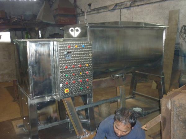 Manufacturer of Ribbon blender machines