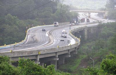 Bombay – Lonavala For detail itinerary and its cost write to us uholidays@gmail.com or call 24 X 7 09213531173   Suggested itinerary  Day 01 Delhi – Bombay  Upon arrival you will meet our representative and transfer to pre booked Hotel. After a bit rest you may go for sightseeing tour of Bombay  Overnight at any good Hotel  Day 02 Bombay  After breakfast at Hotel  full day sightseeing tour of Bombay visiting Gateway of India you may go for Elephant caves by boat at your own., Marine drive, Siddhiviyank  and Maha Laxmi temple, Haji ali mastna, Hanging garden etc. temple  Overnight at any good Hotel.  Day 03 Bombay – Lonavala 85 KM Time taken 2 Hours  After breakfast at Hotel. Transfer to Lonavala. Upon arrival at Lonavala check in to pre booked Hotel. You may enjoy the Hotel and Lonavala and Kahndal.  Overnight at any good hotel.  Day 04 Lonavala  After breakfast at hotel Full day at your own.  Overnight at hotel.  Day 05 Lonavala – Bombay 85 KM Time taken 2 Hours After breakfast at Hotel. On time transfer from Lonavala to Bombay and drop at airport to board the flight foe Chandigarh.