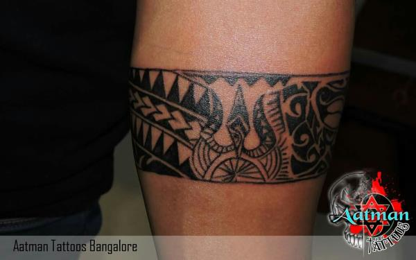 hand band aatman tattoos in bangalore india. Black Bedroom Furniture Sets. Home Design Ideas