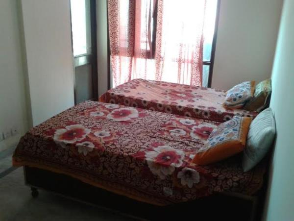 Shree Durga Boys PG deals in Sharing PG at affordable rates in sector 32, 39, 48 and 49 in Gurugram. Our Boys PG Accommodation has Fully Furnished AC as well as Non AC Rooms available in different ranges for single, double and, triple sharing. Our Boys PG Accommodation also provides facilities like free laundry, free wifi and, tiffin pack facility. Our PG for Boys also has 3 meals with full power back up and without any brokerage.