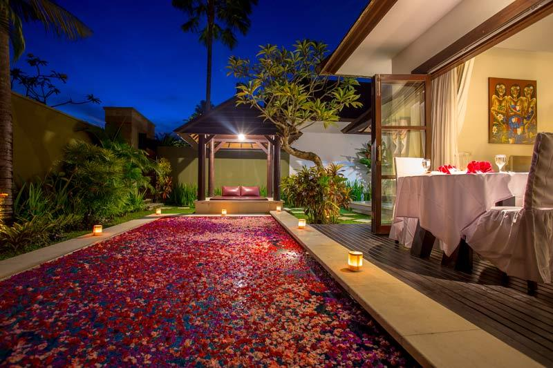 For Honeymoon Villa with Private Pool at Bali, Seminyak (For Package and booking please write uholidays@gmail.com or 24 X 7  09213531173 www.uniqueholidays.info)  Location : 15 minute drive to Legian shopping area & money changers. Addr : Jalan Bumbak 27, Banjar Anyar Kelod, Kerobokan.  One Bedroom Villa (One bedroom with private pool) at Rs.8312 Per Night for 2 Person including villa with Breakfast ,  Two Bedroom Villa (Two bedroom with private pool) at Rs.13293 Per Night for 4 Person on villa + breakfast basis.   Three Bedroom Villa (Three bedroom with private pool) at Rs.20, 559/- Per Villa for 6 Person including Villa + Breakfast . Per night   Rates not valid for Peak season surcharge : 20 DEC – 5 Jan 2017.
