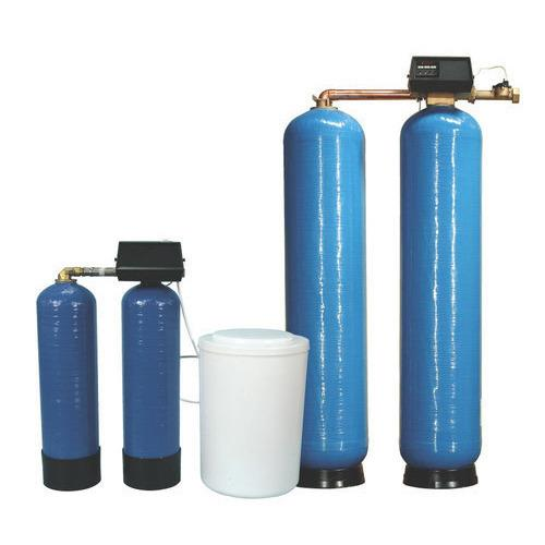 Commercial Water Softeners.  To supply the ever rising needs of our customers, we are occupied in offering a wide range of Commercial Water Softeners.   Features:  Durable Fine finish Reliable Sturdy