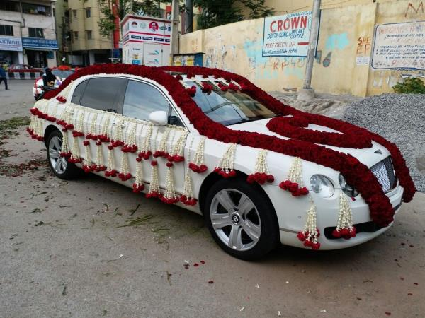 Wedding car for rent in Hyderabad, Decorated car for wedding in Hyderabad. Marriage car for rent in telengana