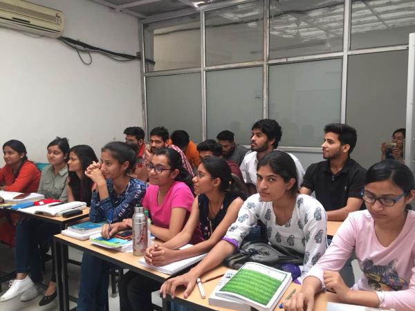 Scholars Hub is providing classes for Bcom 1st 3rd and 5th Semesters in Chandigarh by highly experienced Net qualified Mcom Teacher. Cost Accounting coaching in Chandigarh  Financial Accounting Classes in Chandigarh  Management Accounting Tuition in Chandigarh  Best Bcom Coaching Institute in Chandigarh  Scholars Hub 9876798717