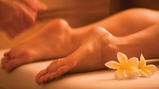 Foot reflexology : get foot reflexology massge at eva spa in naranpura,  Ahmedabad  #Bodymassage #evaspa #Ahmedabad