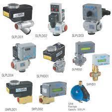 Autodrain valves for comp