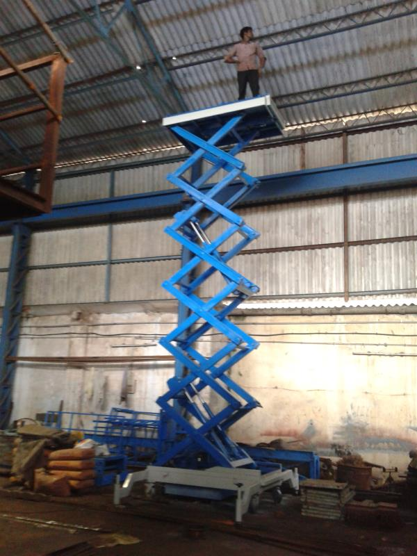 Leading Manufacturer And Supplier Of Scissor Lift.