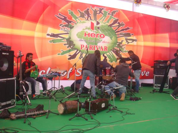 Official Website http://www.activemusic.in/india-delhi-ncr-corporate-orchestra-and-singing-shows/   Active Musical Entertainer- +91-9711053553, 9313770610  Best Musical Group and Entertainers for Events and Shows
