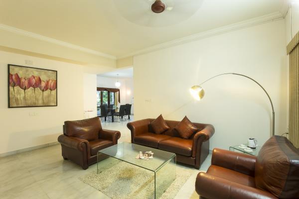 Best serviced apartments near HICC & HITEX . At Home' (At Home Hospitality Services Pvt. Ltd.) is Hyderabad's first professionally managed Serviced Apartment firm. Visit us on www.athomehyd.com