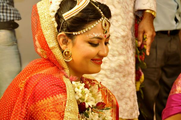 Services provider of Wedding Photography, Fashion Photography , Event Photography , Commercial Photography, Model Photography, Candid Photography , Wedding Events Makers, and Bengali wedding photographer in Kolkata ,